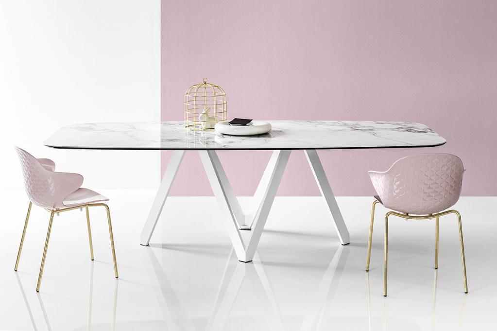 Stylové židle a stůl