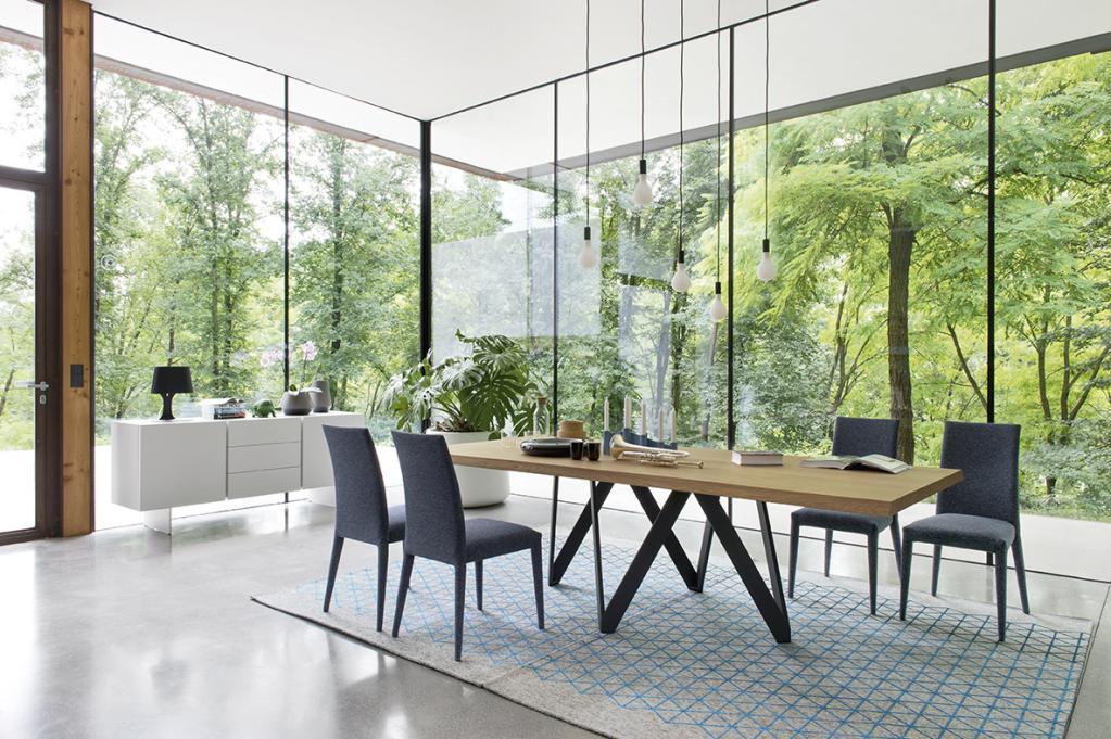 Dřevěný jídelní stůl Calligaris