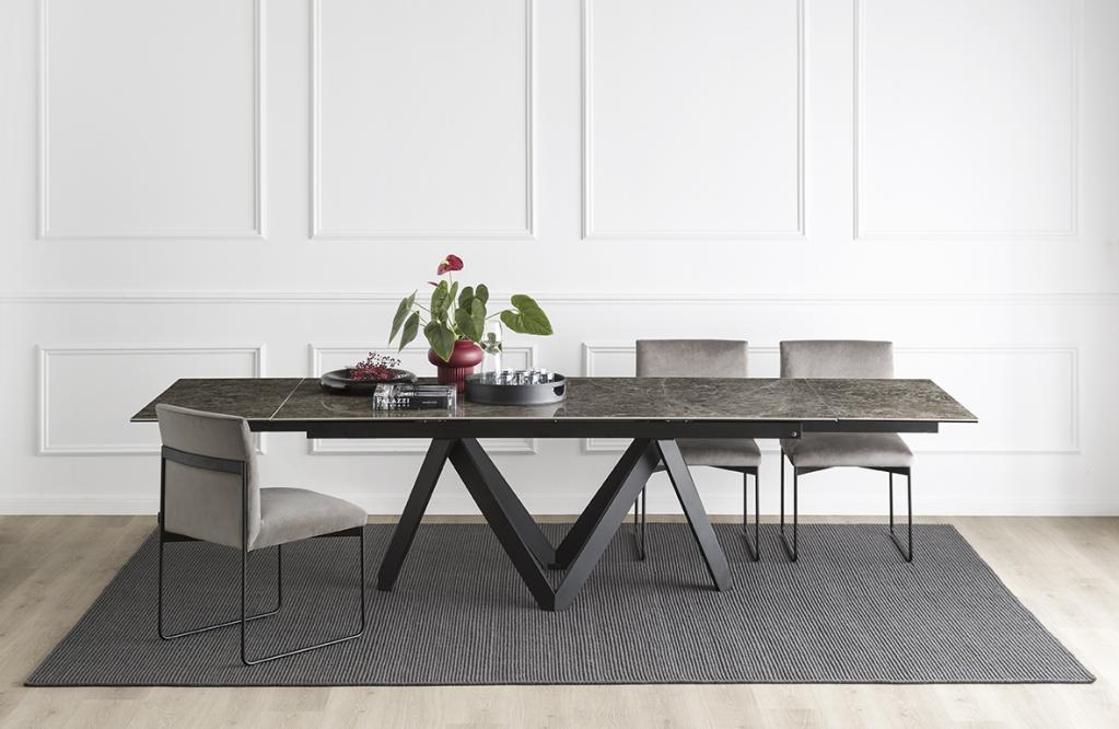 Rozkládací stůl a židle Calligaris
