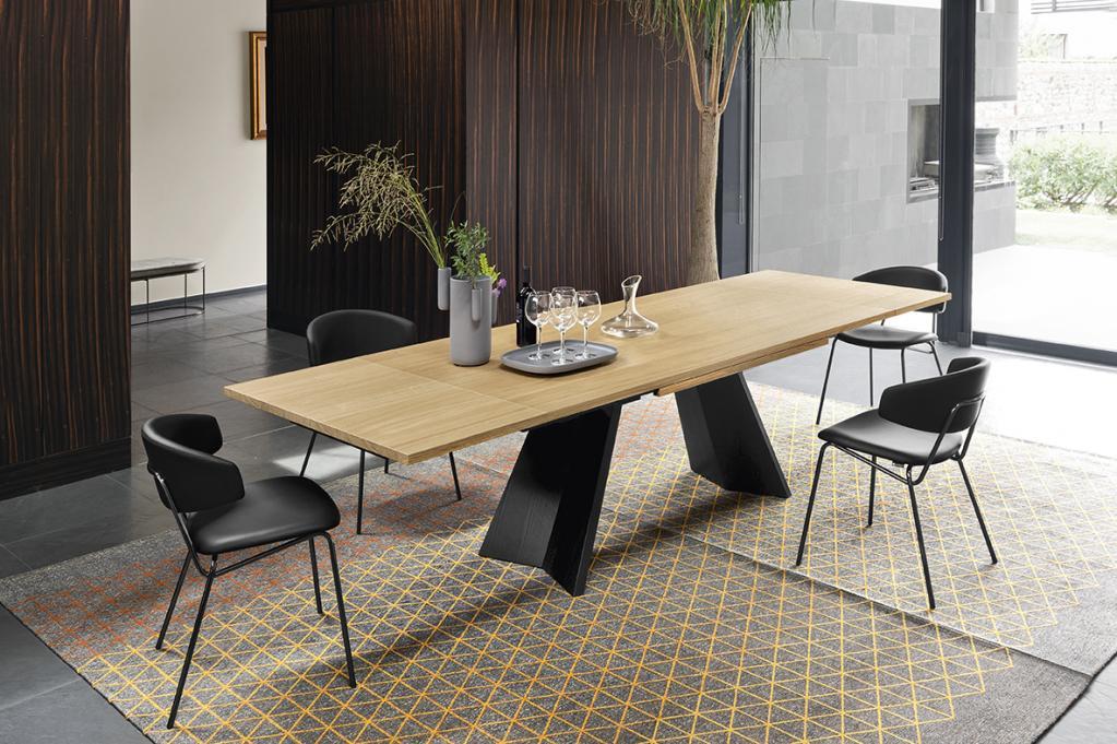 Designový rokládací stůl