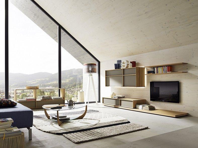 Obývací stěna za světlého dřeva