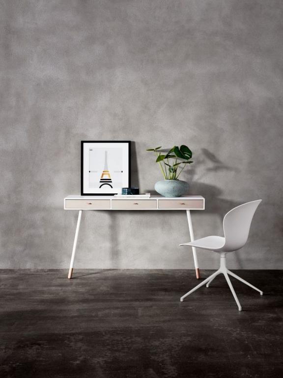 Stylový stolek a židle BoConcept