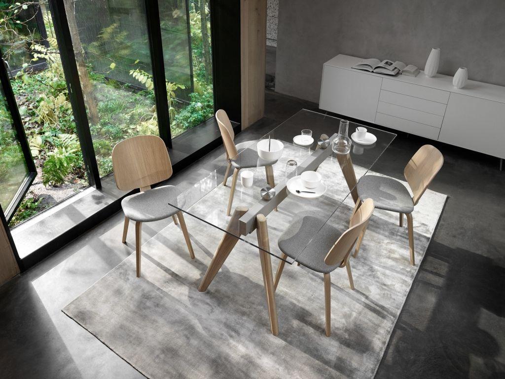 Skleněný stůl BoConcept