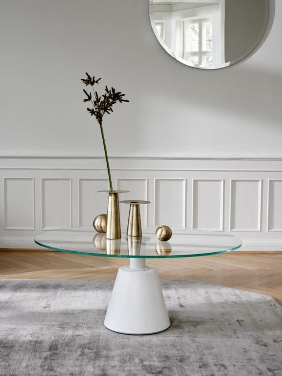 Skleněný konferenční stolek
