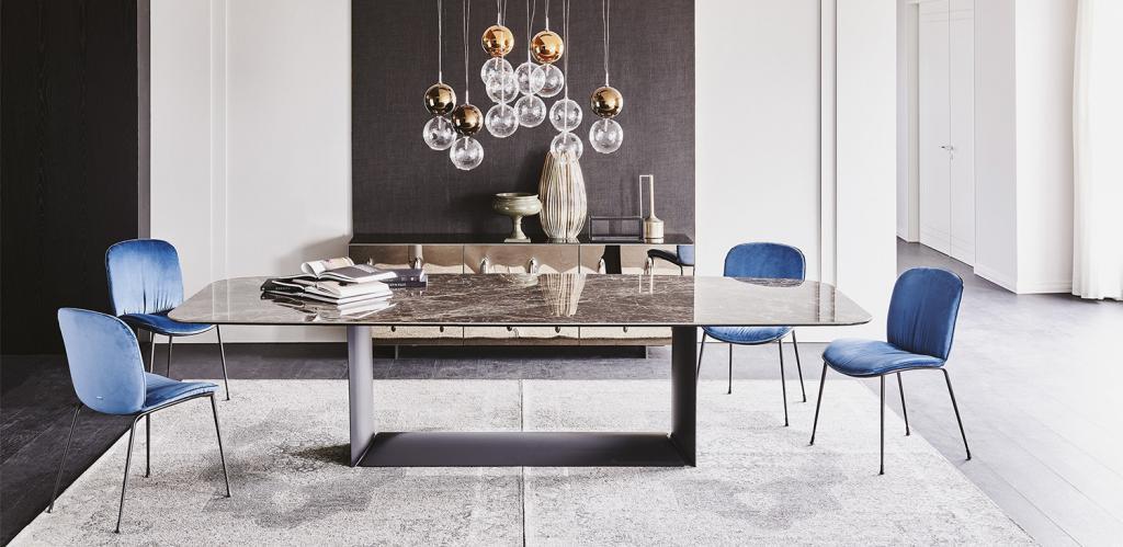 Luxusní stoly a židle