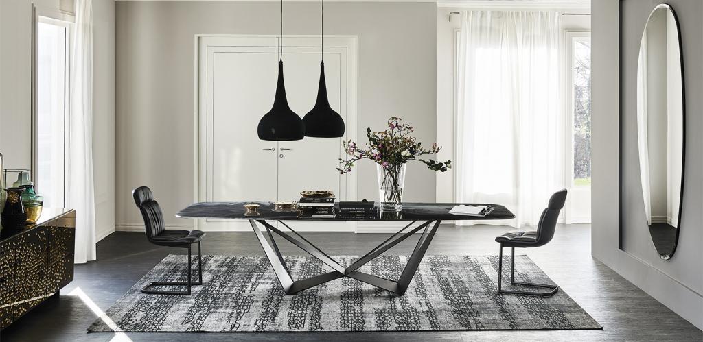 Decentní stůl a židle