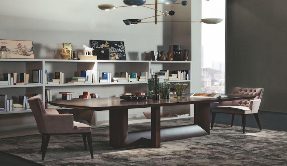 Stylový masivní stůl