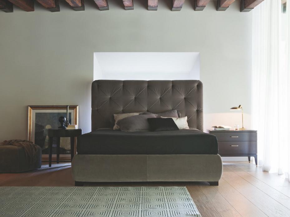 Masivní postel Selva