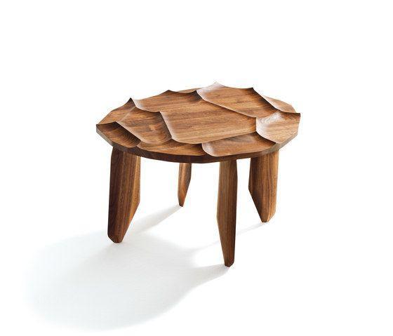 Originální stolička z masivního dřeva