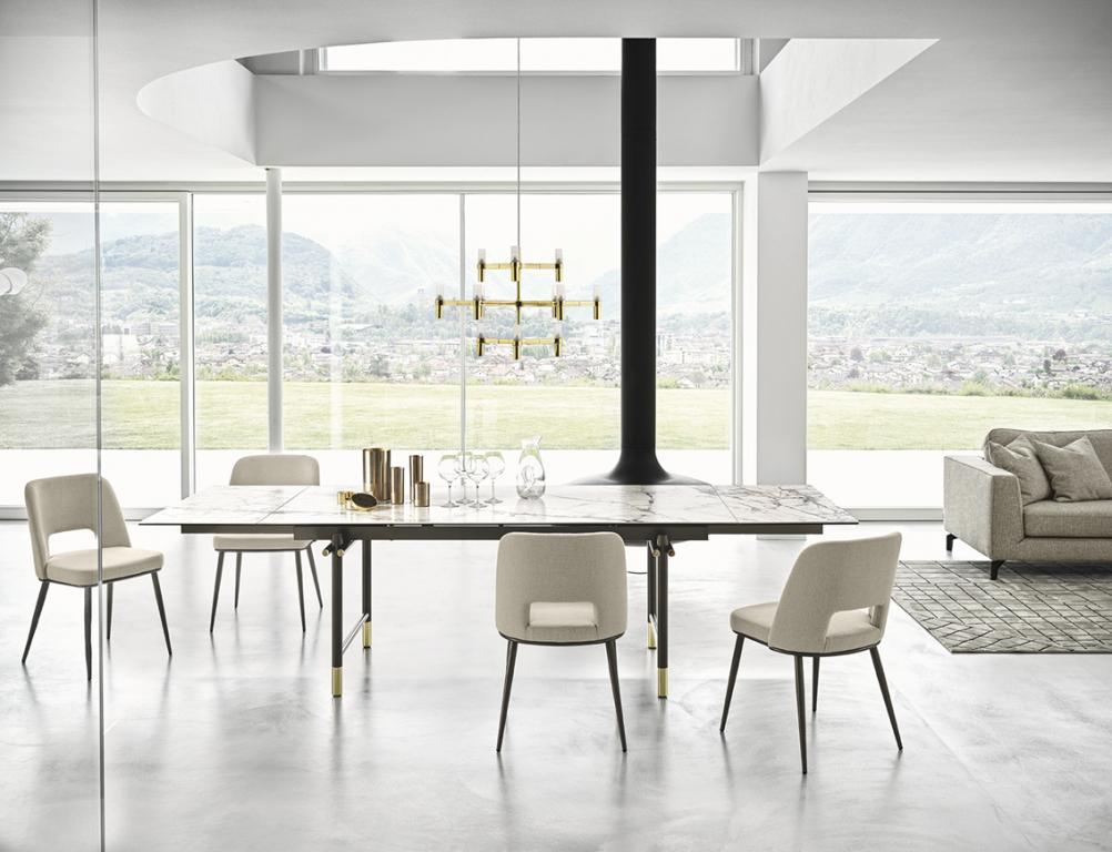 Luxusní světlý nábytek