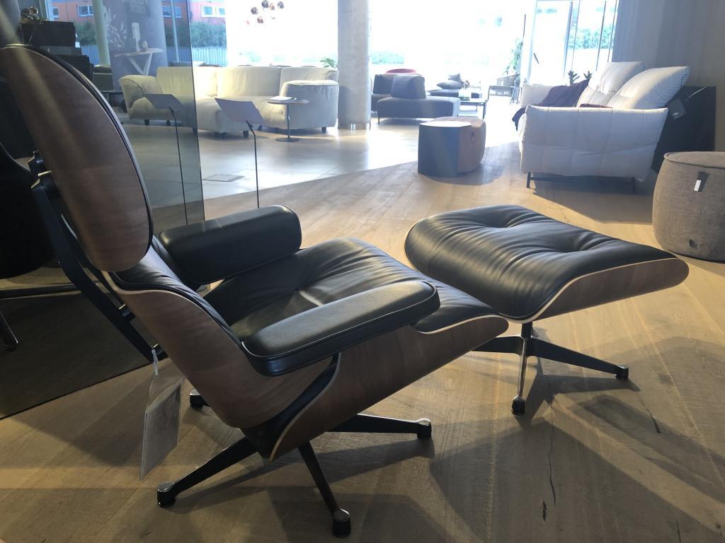 VITRA Lounge Chair & otoman
